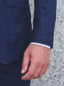 how-to-buy-your-first-suit-sleeve-length-2