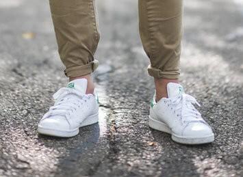 Men's white tennis shoes