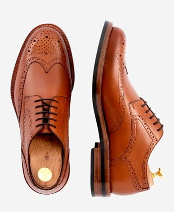 brown wing tip men's shoes