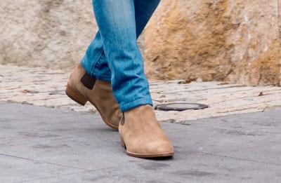 Tan men's chelsea boots