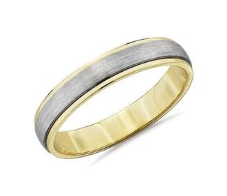 Two-Tone Step Edge Brushed Wedding Ring