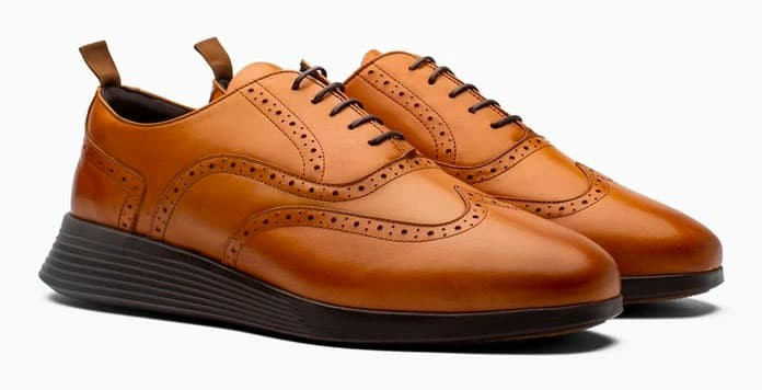 Wolf and Shepherd Crossover Wingtip Shoes