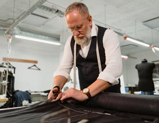 Clothier cutting material